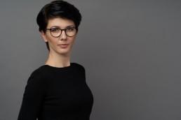 Monochrom Photo - fotografia biznesowa, Warszawa. Sesje wizerunkowe, profesjonalne zdjęcia do CV. Studio zlokalizowane w centrum miasta.